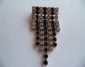 Vintage Unsigned Black/Clear Graduating Stones Deco Tassle Brooch/Pin