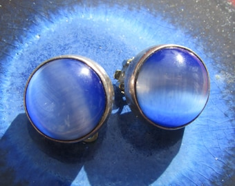 Mexican Silver Blue Glass Modernist Design Round Button Earrings Clip On