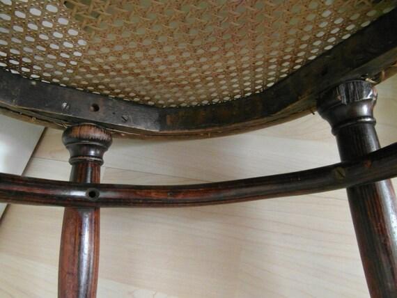 thonet stuhl antik hocker rund von timelessgiftsandmore auf etsy. Black Bedroom Furniture Sets. Home Design Ideas