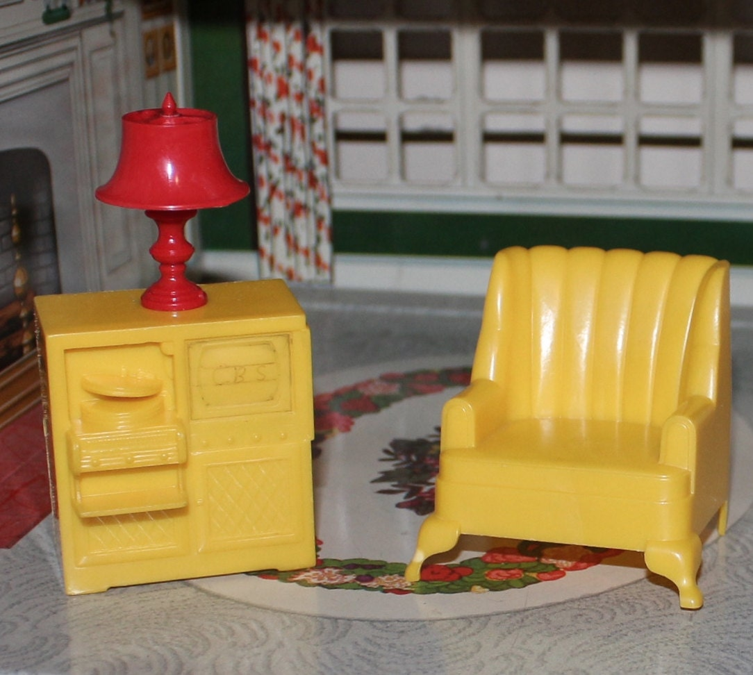 Marxie Mansion Hard Plastic Tin Litho Dollhouse Furniture