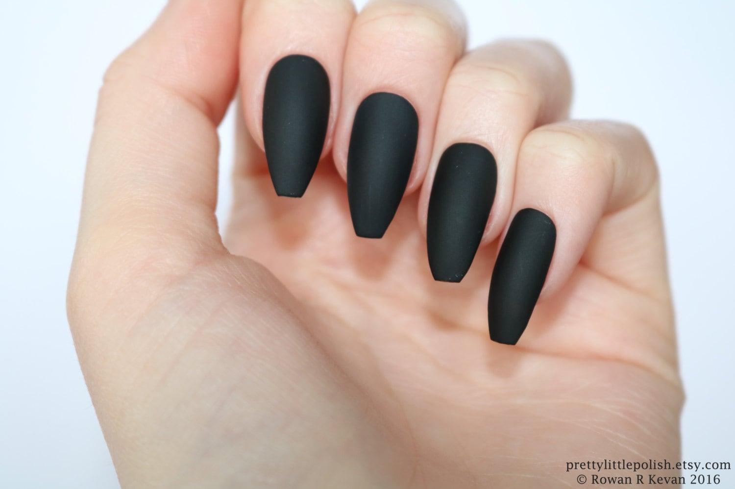 Matte black coffin nails, Halloween nails, Fake nail ...