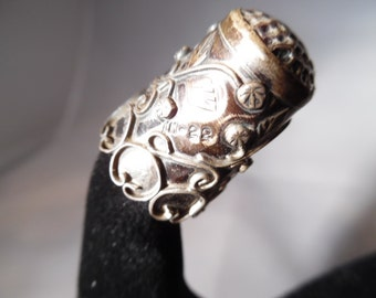 Beautifully Chased Vintage Mexican Sterling Silver Thimble from the Early  1990s