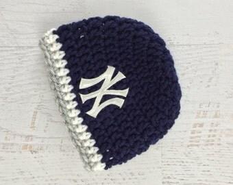 Baby Yankees Hat, Baby Girl Hat, Baby Boy Hat, Yankees Baseball Hat, New York Yankees Baby Hat, Newborn Prop, Photo shoot, Crochet Baby Hat