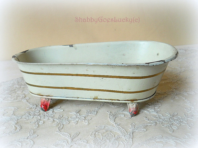 antique doll bathtub made of tin standing on by shabbygoeslucky. Black Bedroom Furniture Sets. Home Design Ideas
