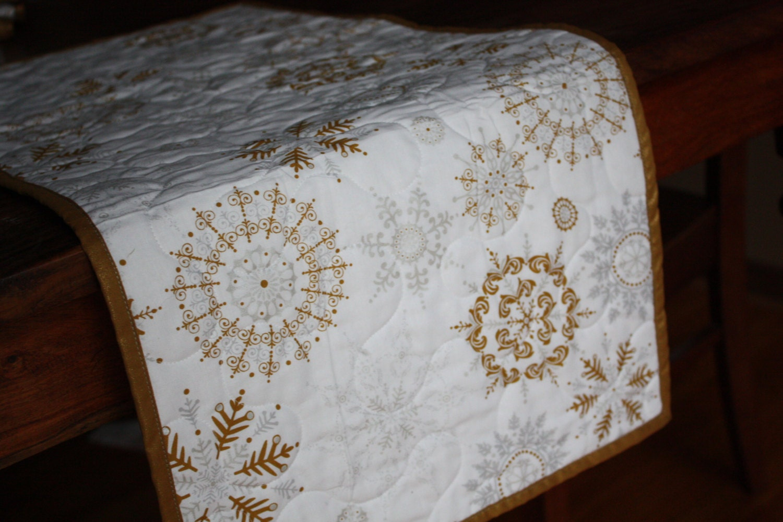 13 x 41 christmas table runner reversible silver gold white. Black Bedroom Furniture Sets. Home Design Ideas
