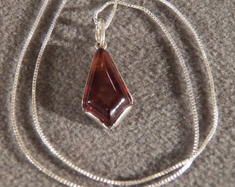 Vintage Sterling Silver Pendant Necklace Marquise Amber Dangling Pendant Charm Chain     M    **RL