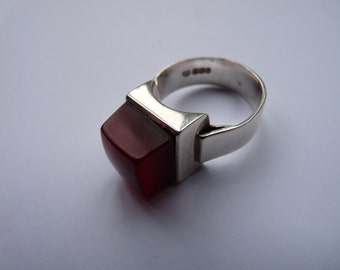 Dublin Ireland Sterling silver handmade vintage designer ring with deep red Cornelian stone modernist mid century size Q