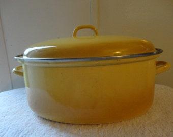 ENAMEL ROASTING PAN - Made in Italy - Yellow Enamel Roasting Pan with Lid