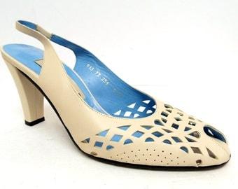 Vintage MEZLAN Size 8 Ivory Leather Slingback Heels Pumps Shoes