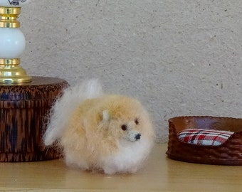 Miniature  Pomeranian  needle felted  soft sculpture 1/12 scale dollhouse pet