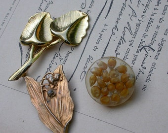 3pcs French vintage  gold tone metal brooch mother of pearl  flower lucky flower brooch