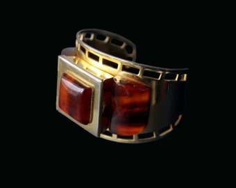 1930s Bakelite cuff bracelet with hidden powder compact made in France attribution Albert Flamand