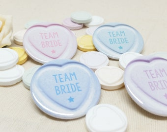 38mm (1.5inch) Size - Quirky Heart Hen Do Love Hearts Sweets Badges / Hen Party Badges / Wedding / Team Bride Badge (A Set)