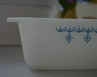 vintage Pyrex Snowflake Garland 813 baking dish, loaf pan,