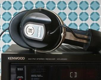 Rocking retro KOSS KO-727 b headphones, retro headphones, vintage headphones, Koss headphones, stereo headphones