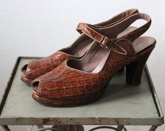 Walk on the Wild Side Heels * 1940s reptile sling-back peep-toe pumps * Size 7.5