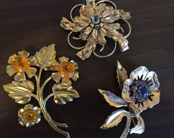 40's floral brooches -rhinestones & brass