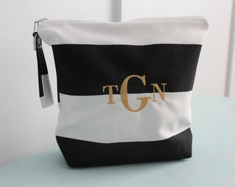 Monogrammed Makeup Bag, Wet Bag, Water-Resistant Bag, Personalized Gift, Bridesmaid Gift, Cosmetic Bag, Swim Suit Bag, Wedding party Gift