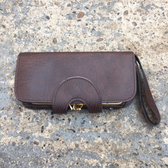 Vintage brown faux leather wallet // womens 70s large wallet coin purse // chestnut brown purse // boho purse // brown coin purse