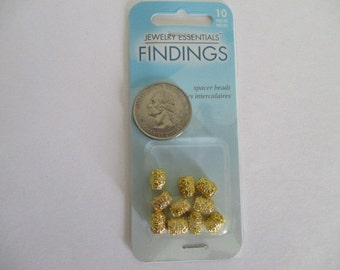NEW 10 Goldtone Barrel Beads in Package