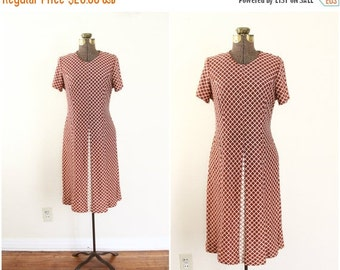 30% OFF SALE 70s dress | brown and cream diamond patterned | autumn dress | womens fall clothing | 60s mod space age knee length dress [ med