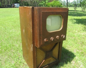 Vintage Television Set, Admiral Television, Console TV Set, Black and White, Photo Prop, Television cabinet, 1940s