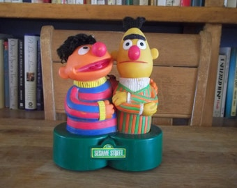 Bert and Ernie Sesame Street Muppets transistor radio Made in Hong Kong  Works!