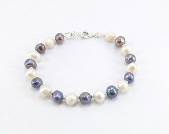 Freshwater Pearl Bracelet - Black and White Pearl Bracelet - Wedding Jewelry - Bridesmaid Gift - Bridal Jewelry - Natural Pearl Bracelet