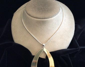 Vintage Large Silvertone Pendant Necklace