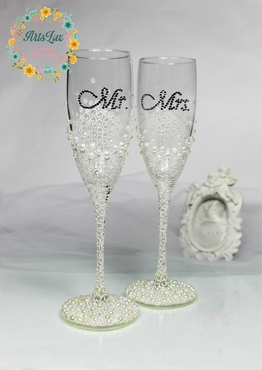 personalized wedding champagne glasses in ivory white hand
