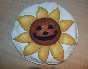 Quilted hot pad, sunflower potholder, heat resistant trivet, fall decor, Halloween decor, kitchen accessory,