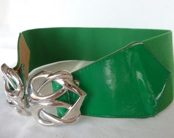 Green, elastic belt