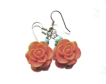 Turquoise orange rose earrings, soft orange resin roses, turquoise Swarovski pearls, stainless steel finishing, rose, spring, pantone colors