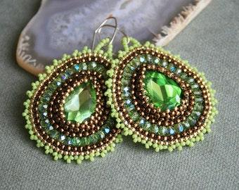 green, golden brown, copper, seed bead earrings, toho, woven jewellery, hoop earrings, beadwork, beadwoven jewelry, beaded earrings, OOAK
