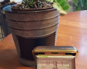 NeW SuMMeR SaLe...Nice Vintage 1950's BRADLEY Travel Alarm Clock,  Chocolate Brown clock, Alarm clock