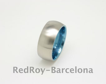 Titanium wedding bands with a rounded inside and outside finishing
