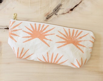 THE PALM POUCH - small zip pouch melon tropical palm