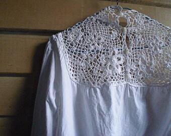M - L - 90s Romantic White Linen Crochet Blouse Summer Top - Handmade
