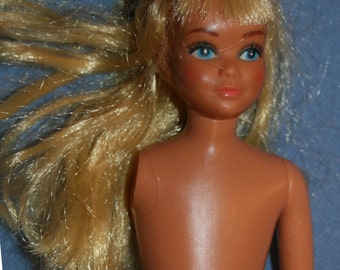 "Vtg 1967 Skipper Doll 9"" Vintage Missing Right Arm Barbie Doll Blonde Hair blue Eyes"