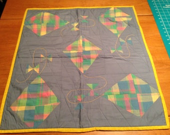 baby quilt with kites