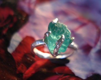 Blue Apatite Ring - Sterling Silver Ring - Raw Rough Neon Blue Apatite Ring - Engagement Ring K223