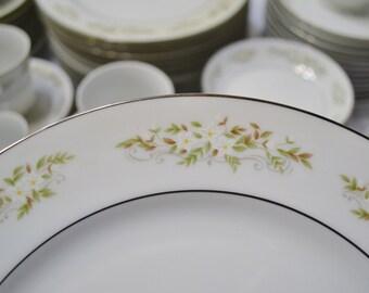 International Silver Springtime Dinnerware Set Service for 12 Floral Design 326 Made in Japan PanchosPorch
