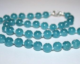 Aquamarine smooth round beads 8 mm.