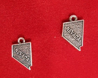 """BULK! 30pc """"Nevada"""" charms in antique silver style (BC951B)"""