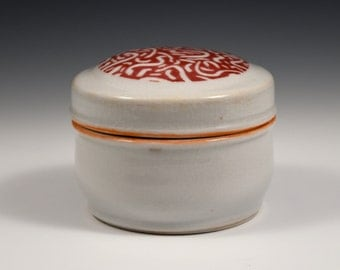 Porcelin trinket box