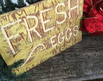 Fresh Eggs// OLD Fresh Eggs Wooden FARM Sign// Grovestand// Shabby CHIC// Primitive// Cottage Home// Worn Perfectly!