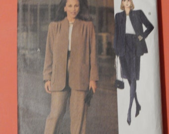 Vogue 8729 Very easy to sew boxy jacket, skirt and pants pattern Uncut Sizes 8, 10 and 12
