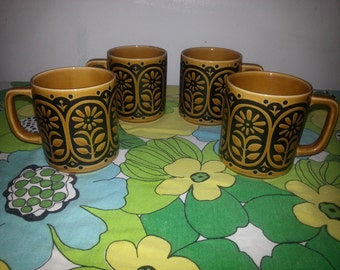 1960's Flower Power Coffe Cups Set of 4