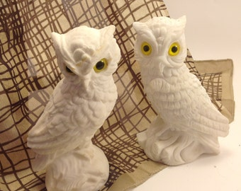 """pair vintage calcite alabaster stone woodland owl figures yellow eyes marked 'Italy"""" with artist's initials"""