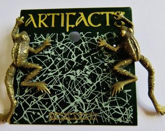 JJ Jonette Antique Gold Climbing Frog Pierced Earrings